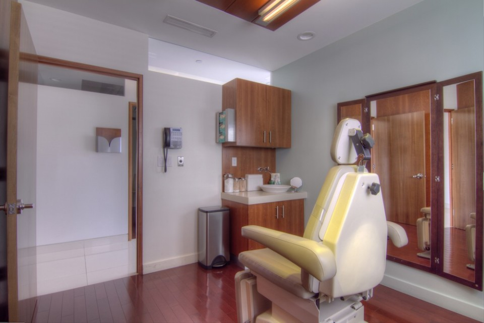 The Diamond Face Institute treatment room
