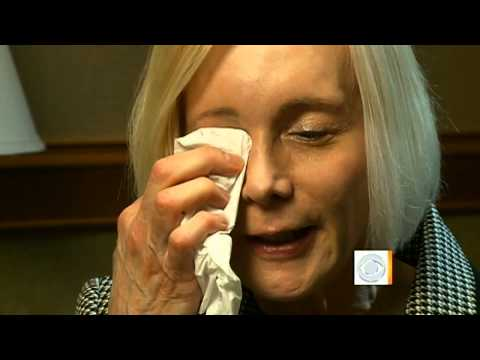 Eyelid surgery leaves woman unable to blink